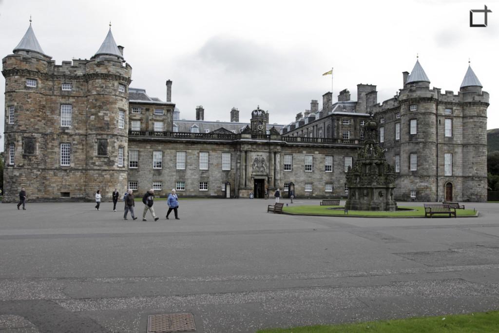 Scozia_Edimburgo_Palace_of_Holyroodhouse