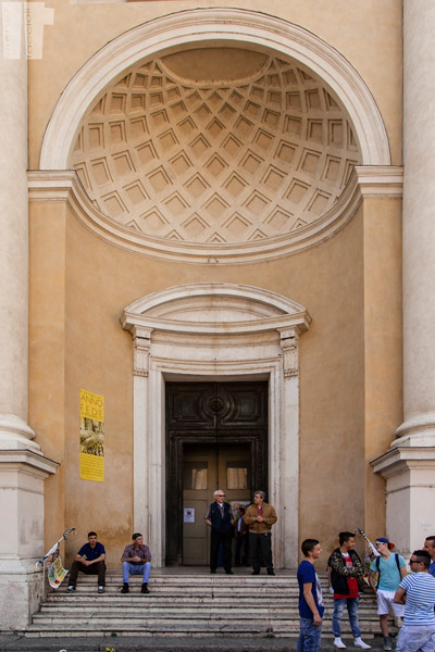 Ingresso Chiesa San Pietro