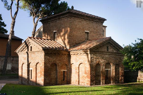 Mausoleo Galla Placidia Esterno