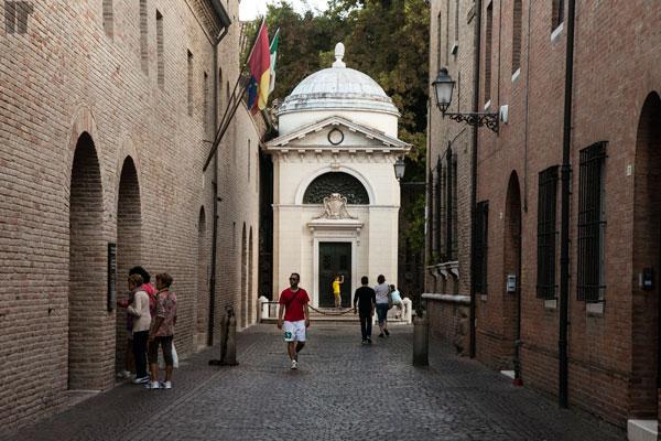 Tomba Dante Alighieri