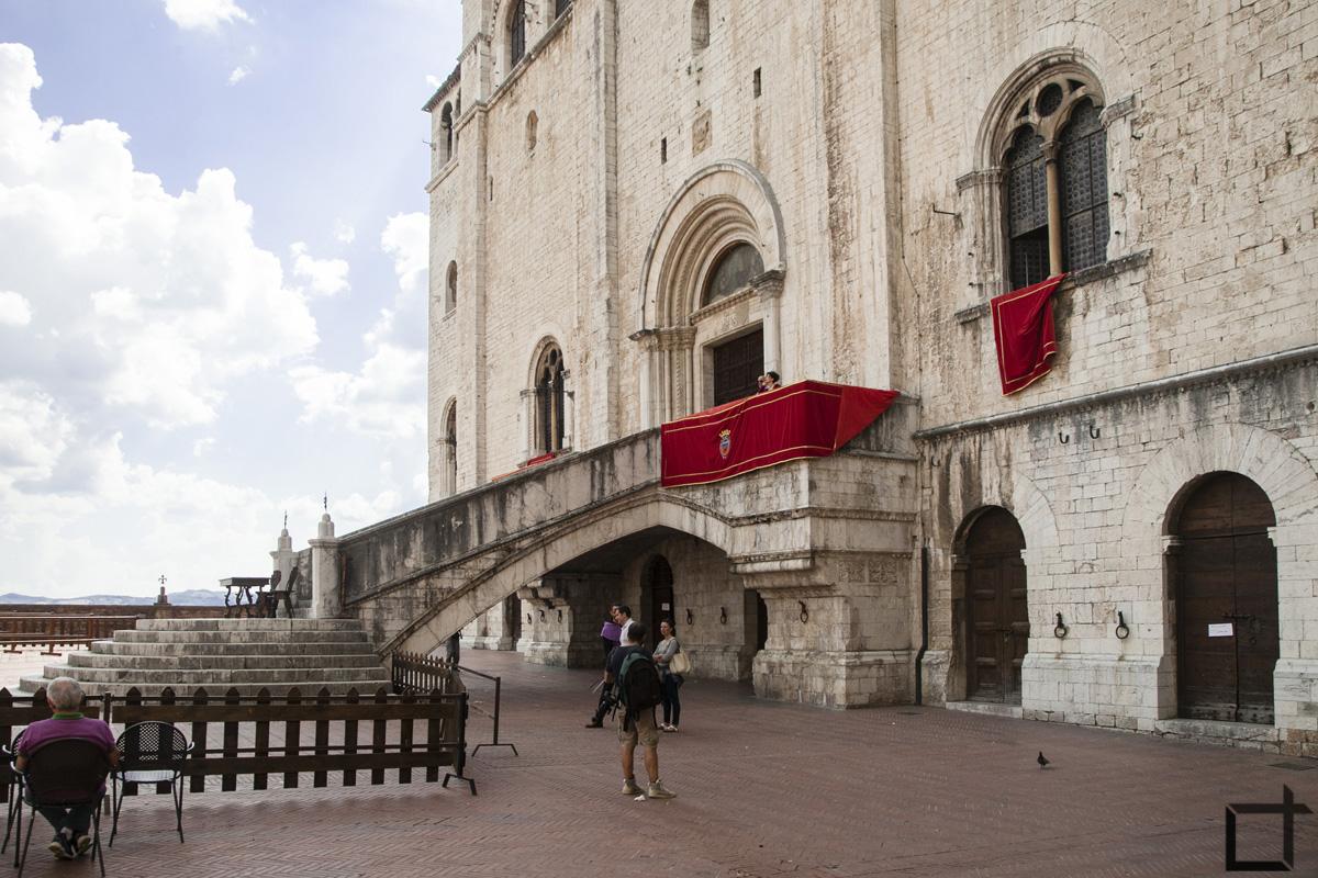 Palazzo dei consoli scalinata