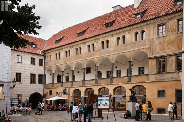 Palazzo con Archi
