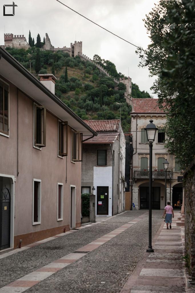 Vicolo con Castello Superiore Marostica