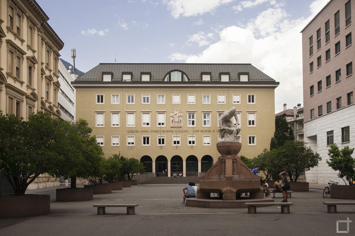 Provincia di Bolzano, Piazza Silvius Magnago