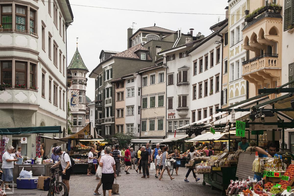 Mercato nel Centro di Bolzano Via delle Erbe