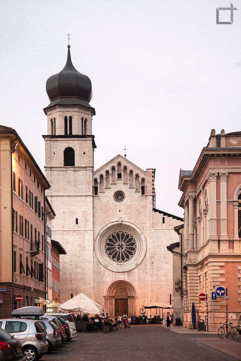 Cattedrale di San Vigilio da Via Verdi