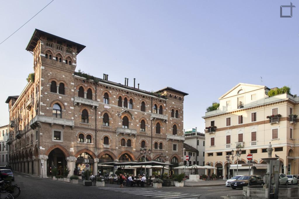 Palazzo Piazza San Vito