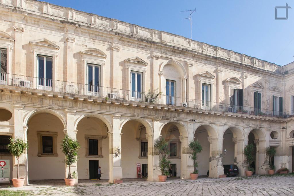 Corte Interna Basilica di Santa Croce