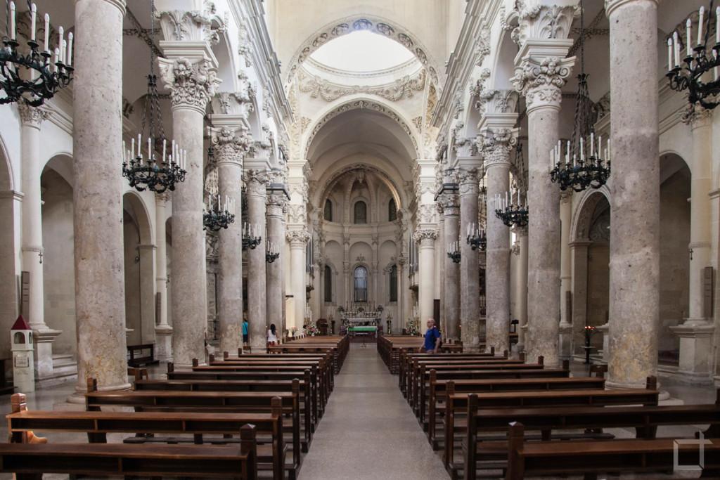 Basilica di Santa Croce, Interni