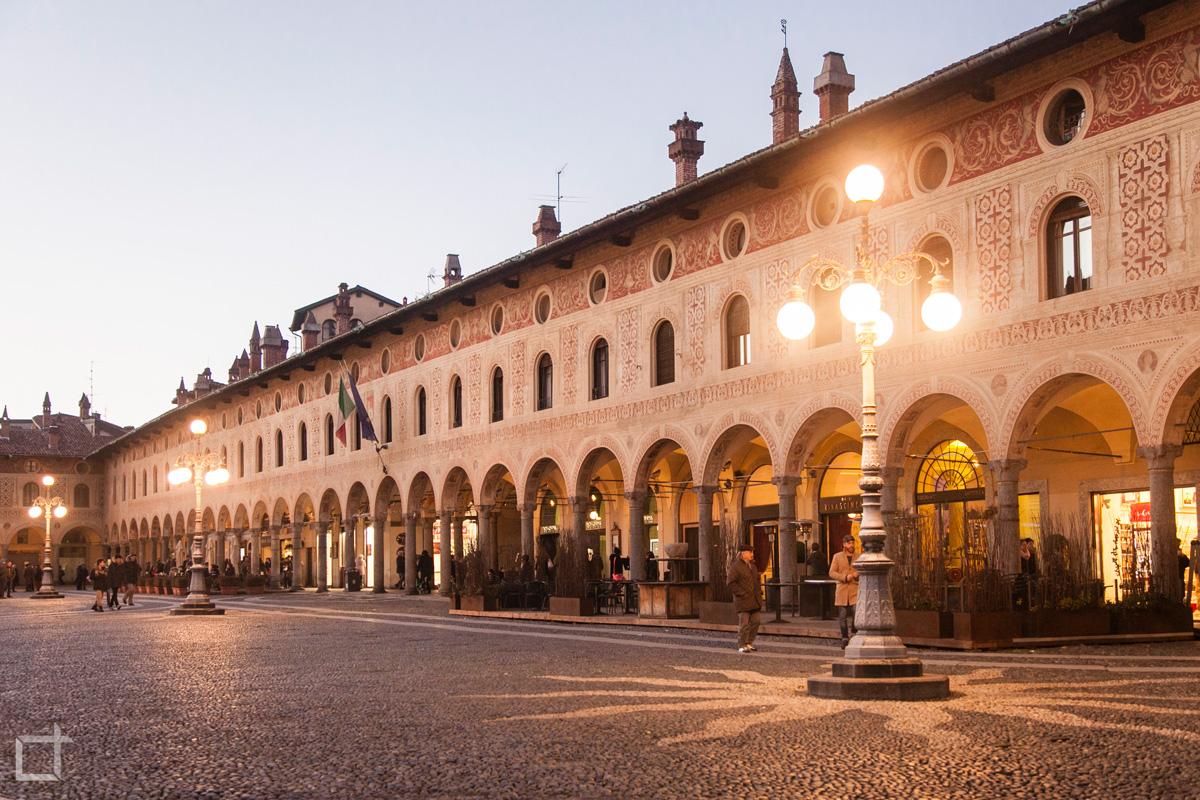 Piazza Ducale Portici