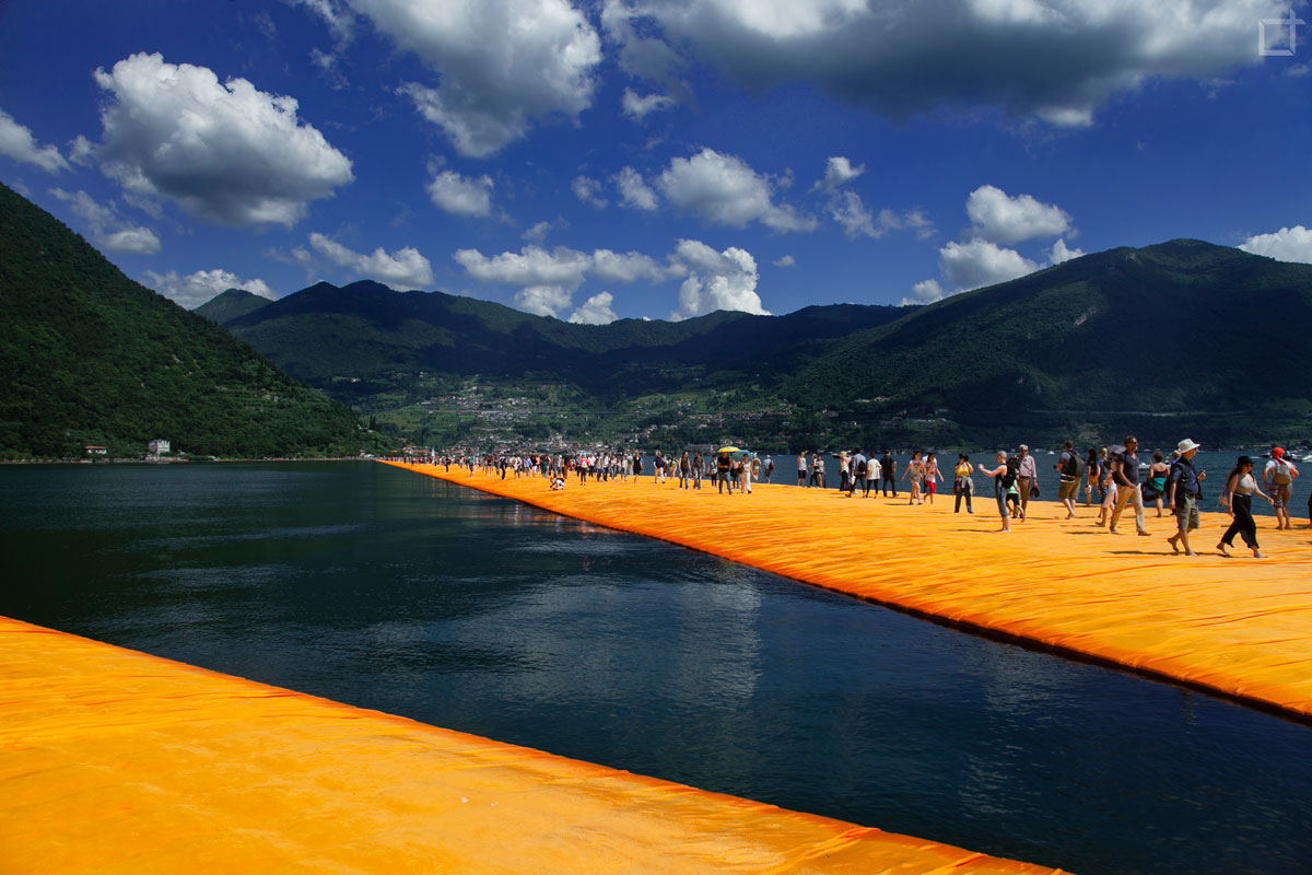 Floating_Piers_Christo_Jean_Claude