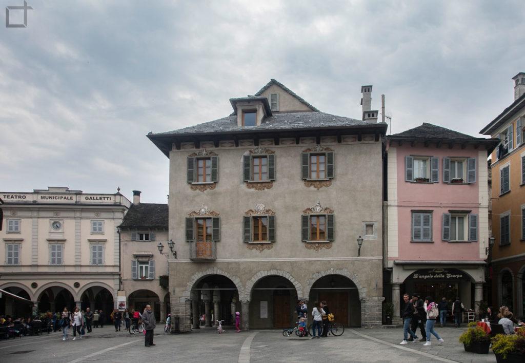 Portici Piazza del Mercato