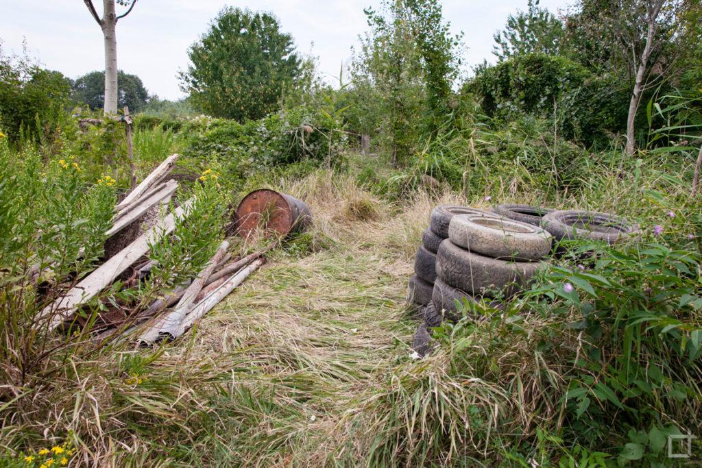 rifiuti nel parco dei meandri