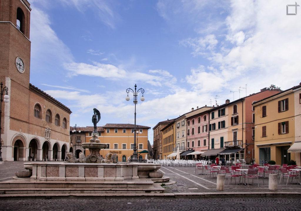 fano-fontana-della-fortuna-piazza-xx-settembre
