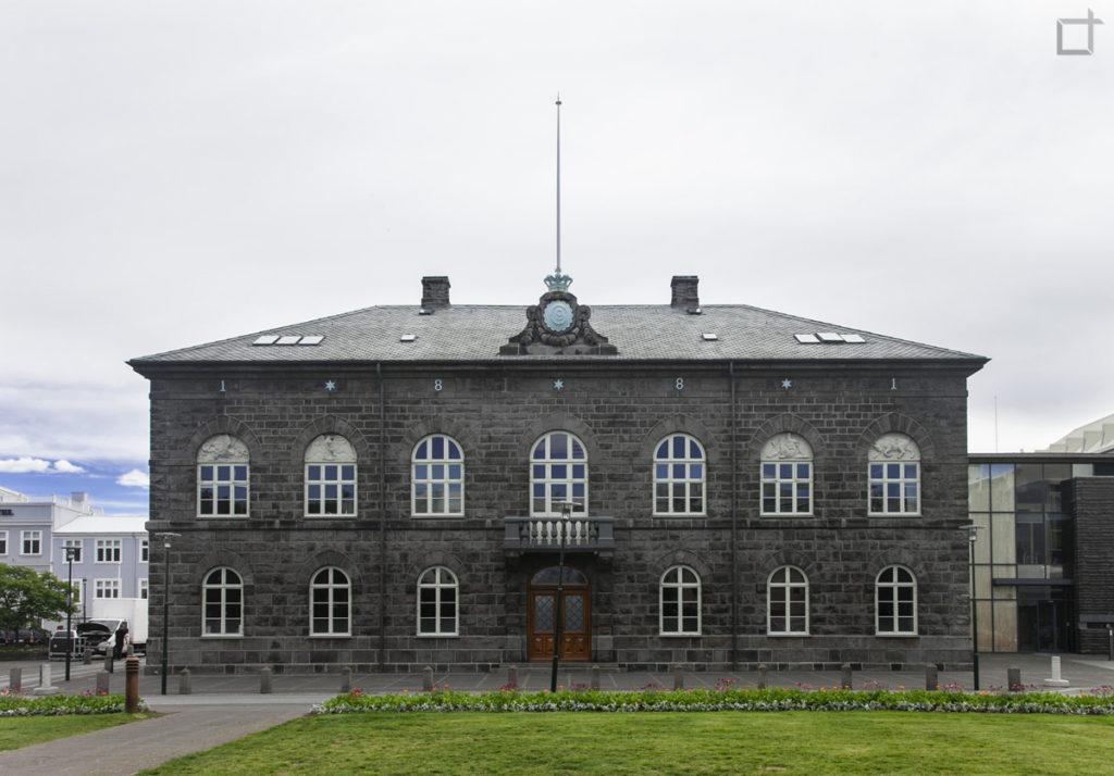 alpingi-house-of-parlamient-parlamento-reykjavik