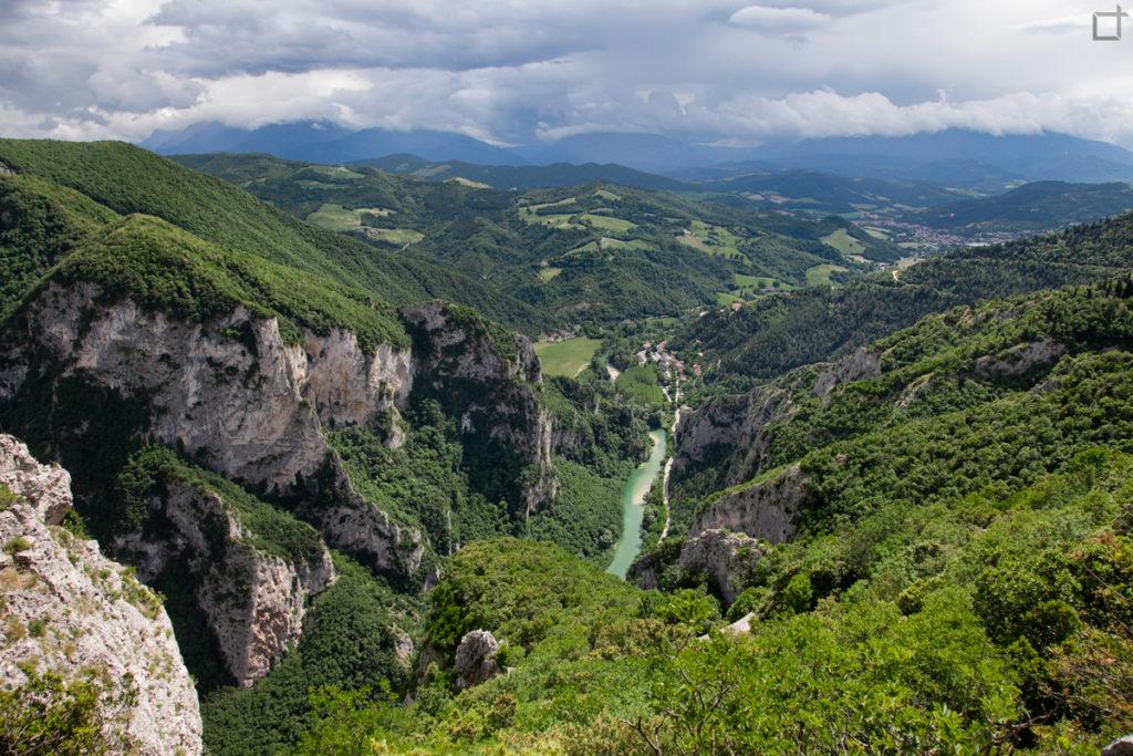 panorama-su-fiume-candigliano-gola-del-furlo
