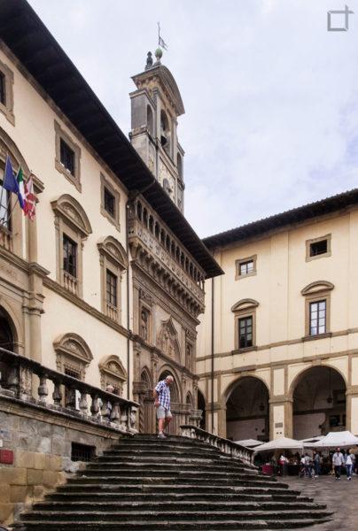 scalinata piazza grande