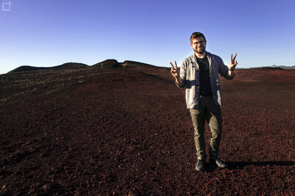 Stefano su terra Rossa in Islanda