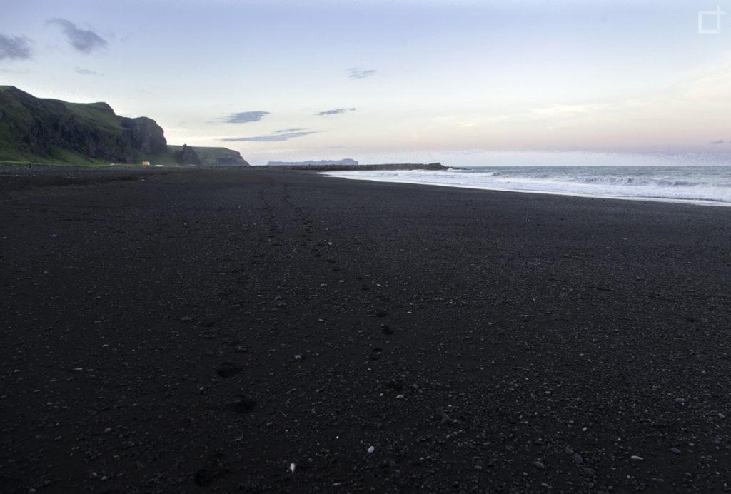 Battigia di Sabbia Nera Lavica Islanda