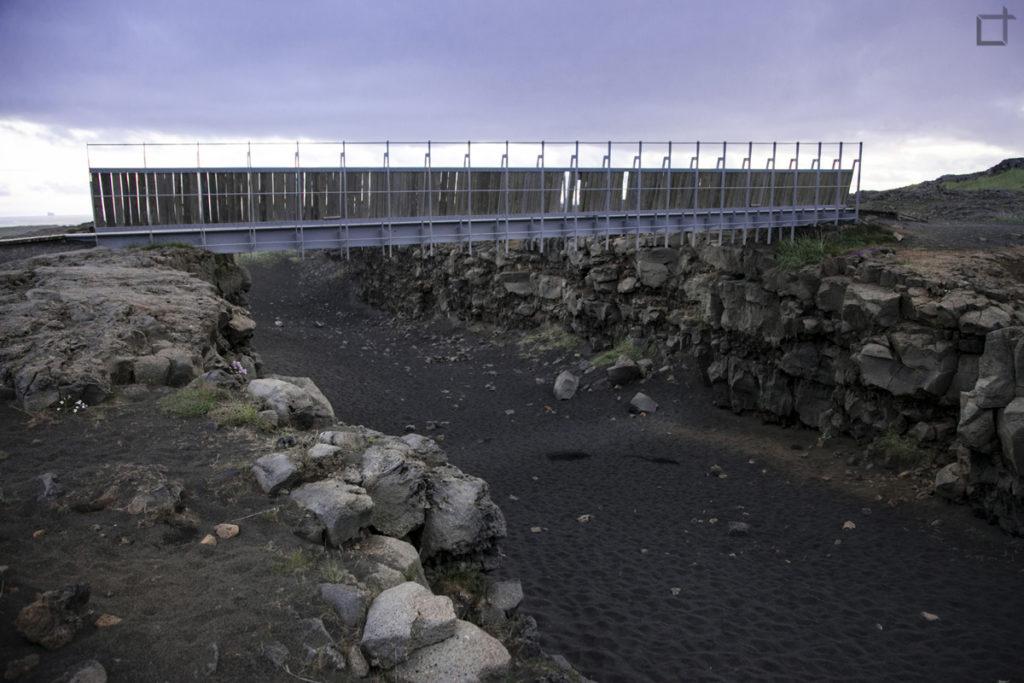 Bru Milli Heimsalfa - Ponte tra due continenti - Islanda
