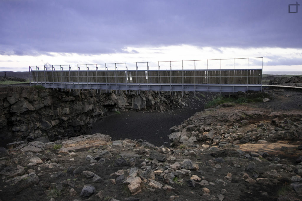 Bru Milli Heimsalfa Ponte tra placche tettoniche