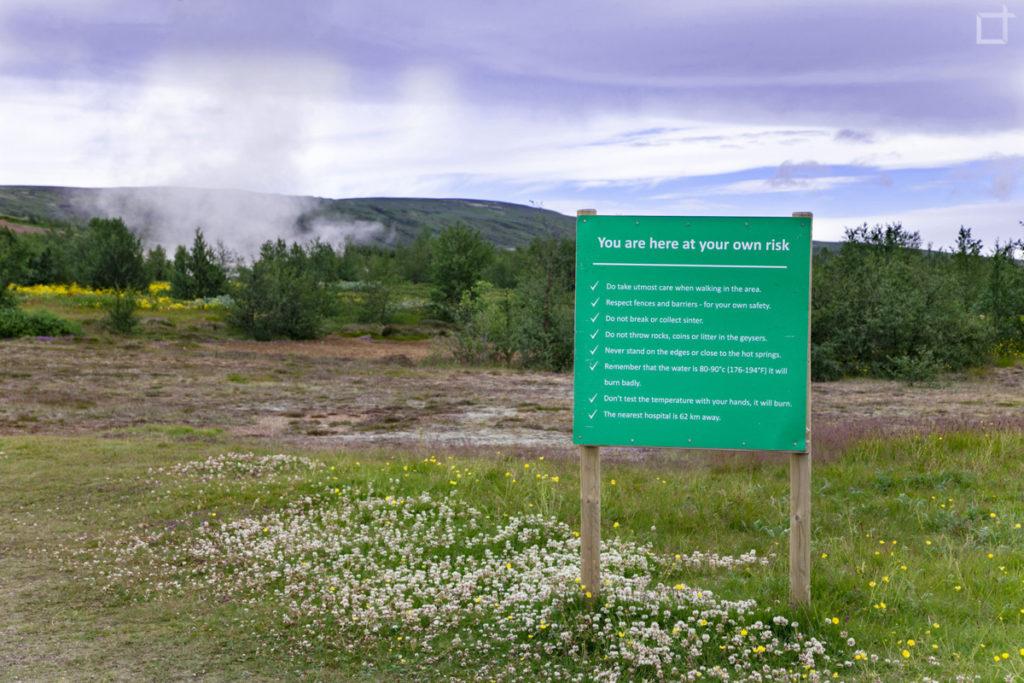 Cartello a Geysir - Ingresso a proprio rischio