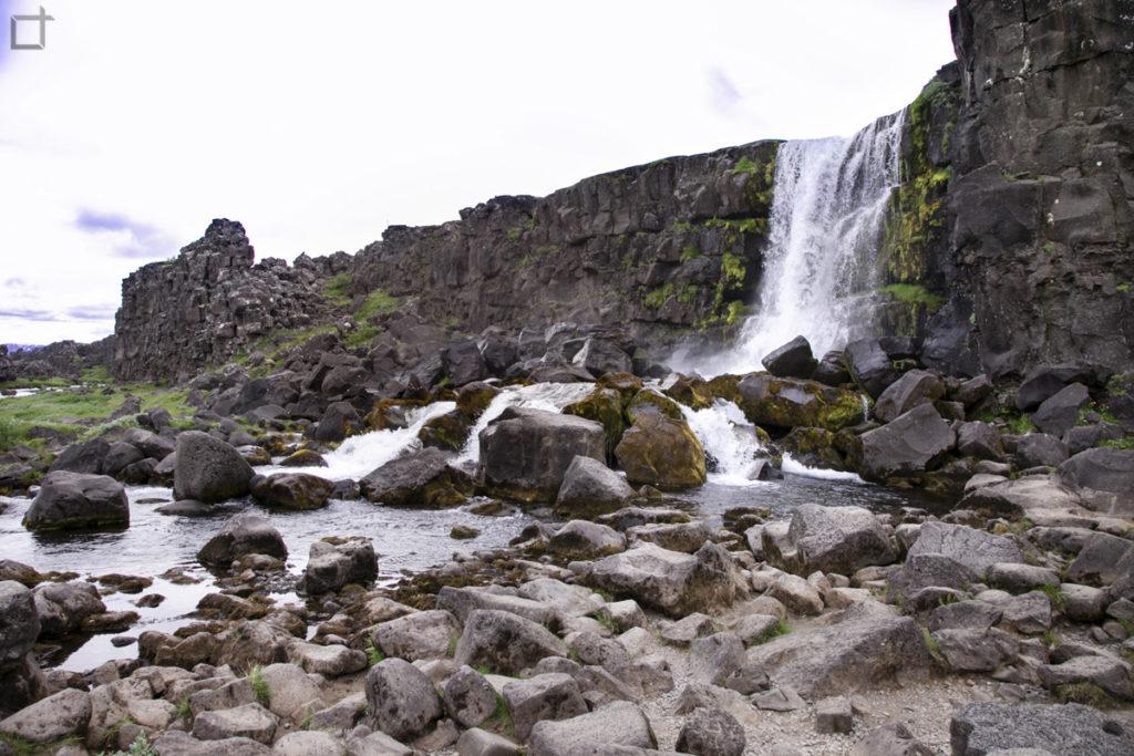 Cascata Oxarafoss nella Faglia Almannagja Islanda