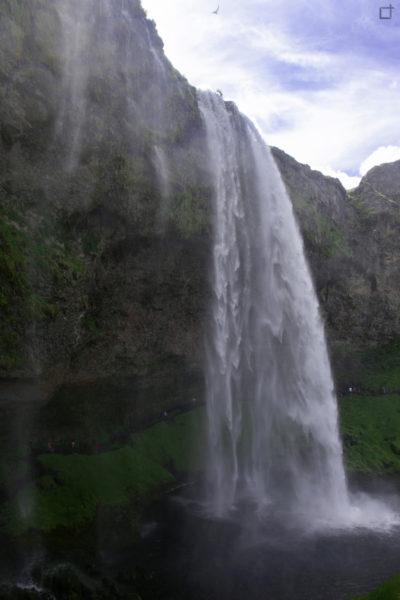 Cascata con Sentiero Dentro