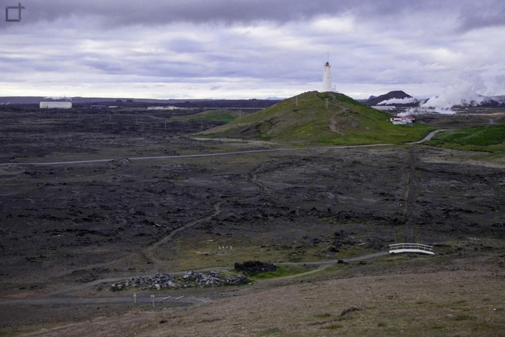 Faro di Reykjanesviti nella area geotermale di Gunnuhver