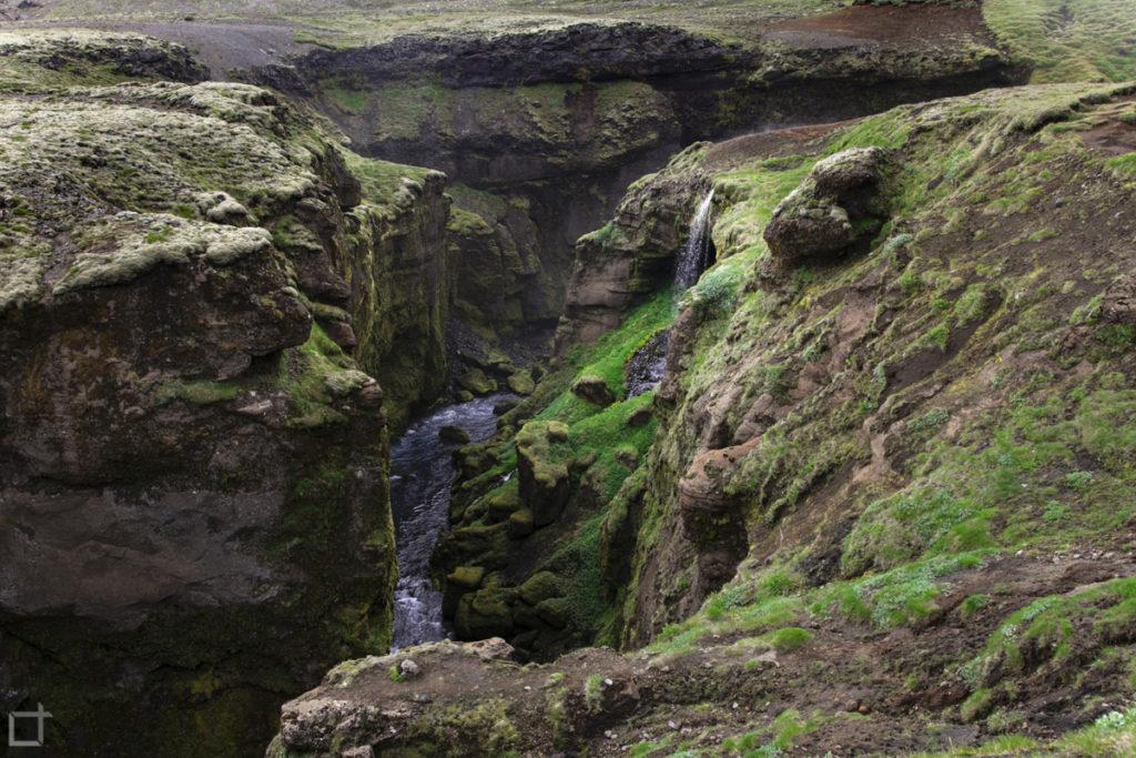 Fiume Skogaa e piccole cascate