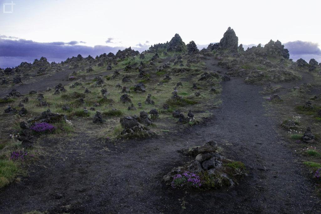 Islanda Piramidi di Sassi - Case degli Elfi - Laufskalavarda