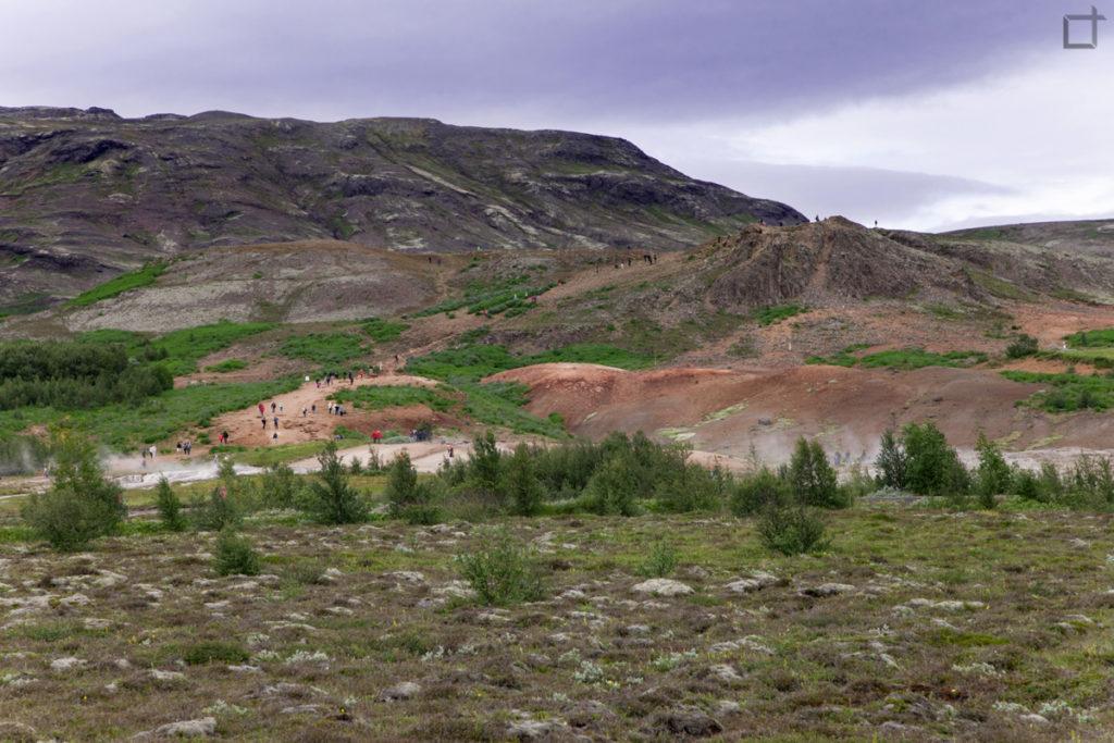 La terra rossa nei dintorni dei geyser
