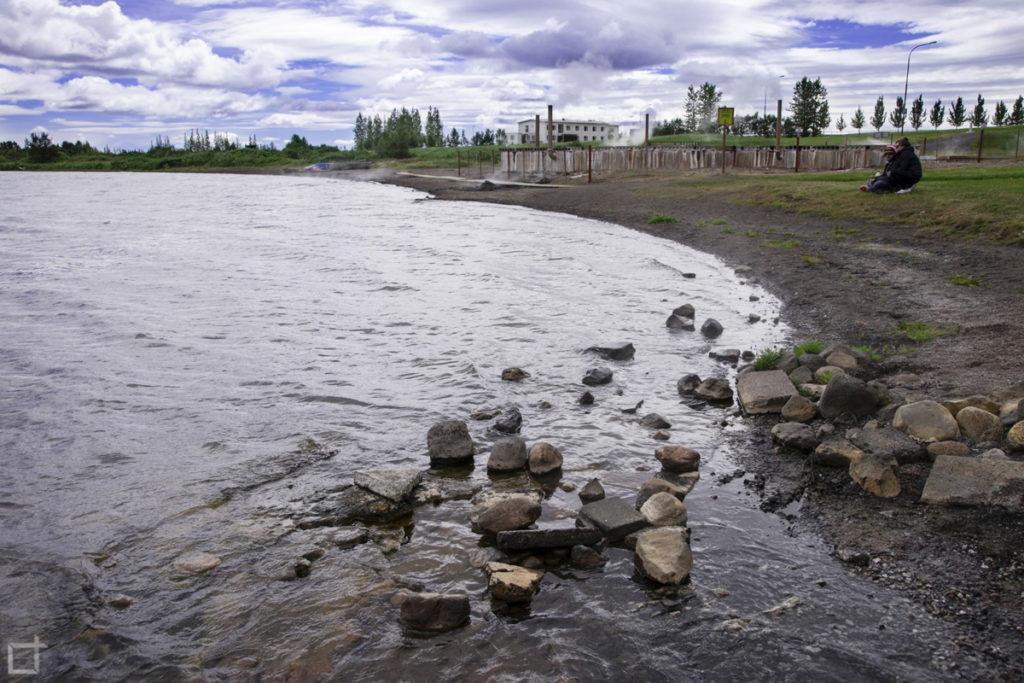 Lago Laugarvatn e Soffione boracifero fonte Vigdalaug