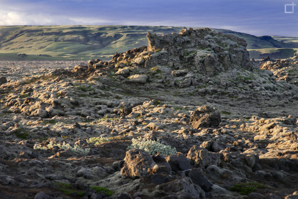 Lava Solidificata con Natura Islandese