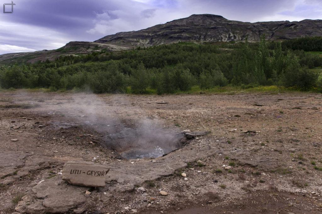 Litli Geysir la terra che fuma