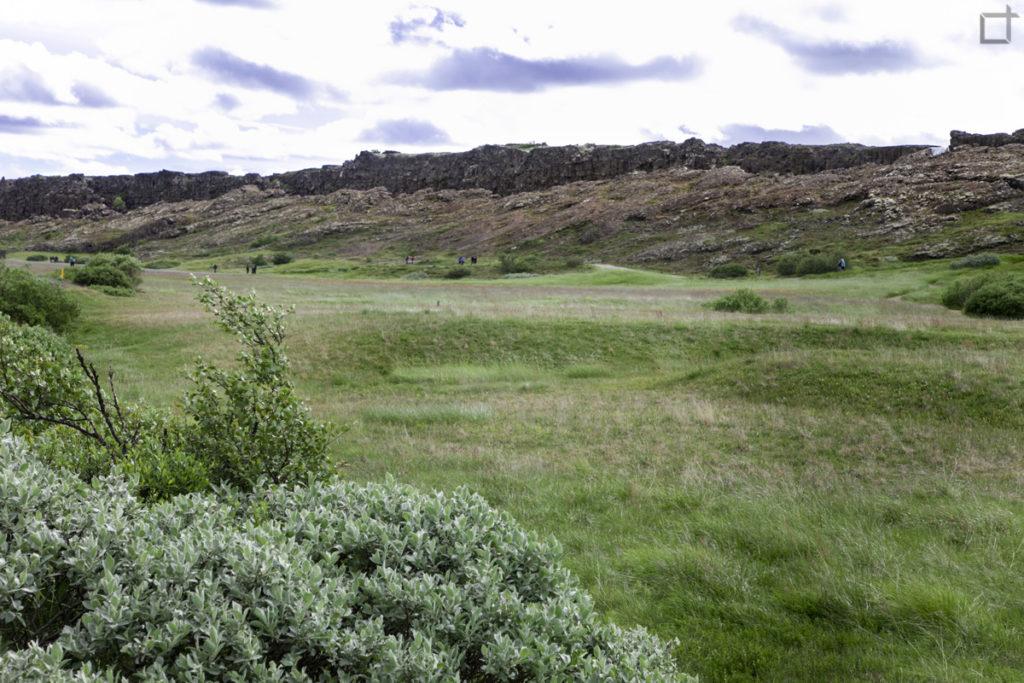 Panorama sull'erba del primo parlamento islandese