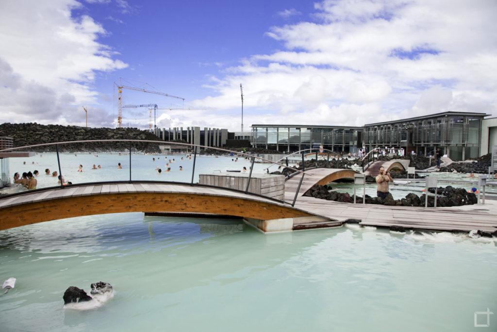 Ponte e struttura della Blue Lagoon Islanda