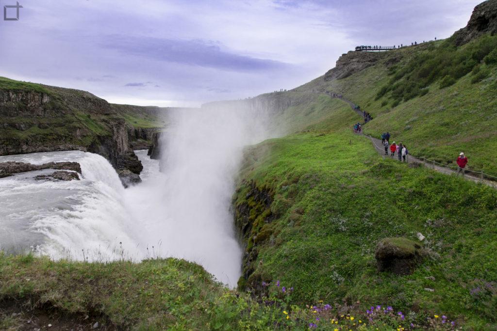 Sentiero a Gullfoss e Cascata