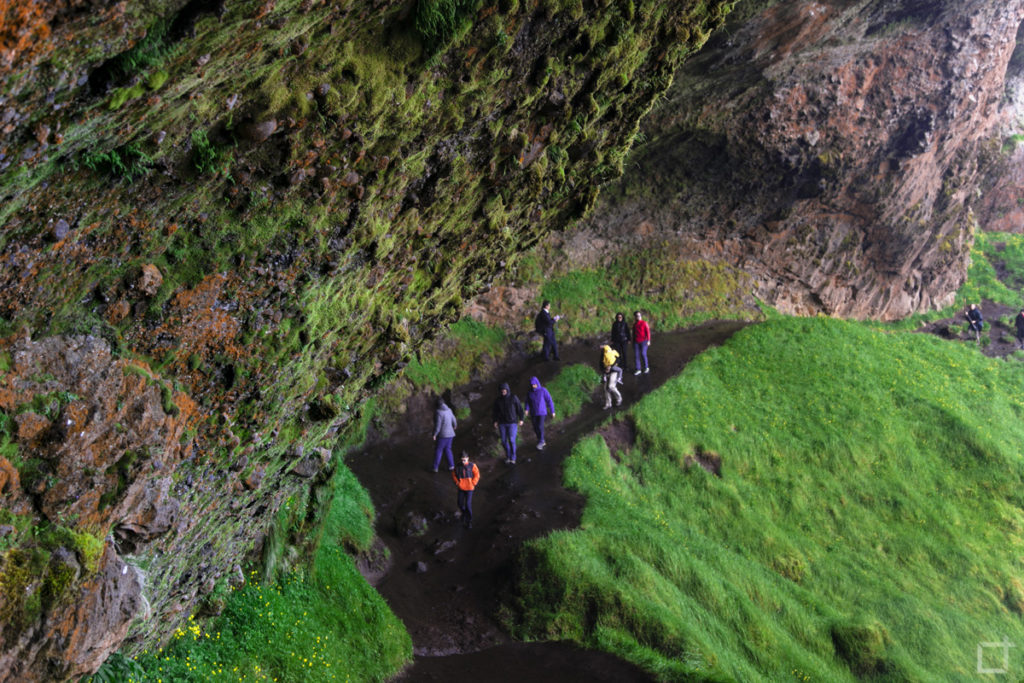 Sentiero dietro alla Cascata