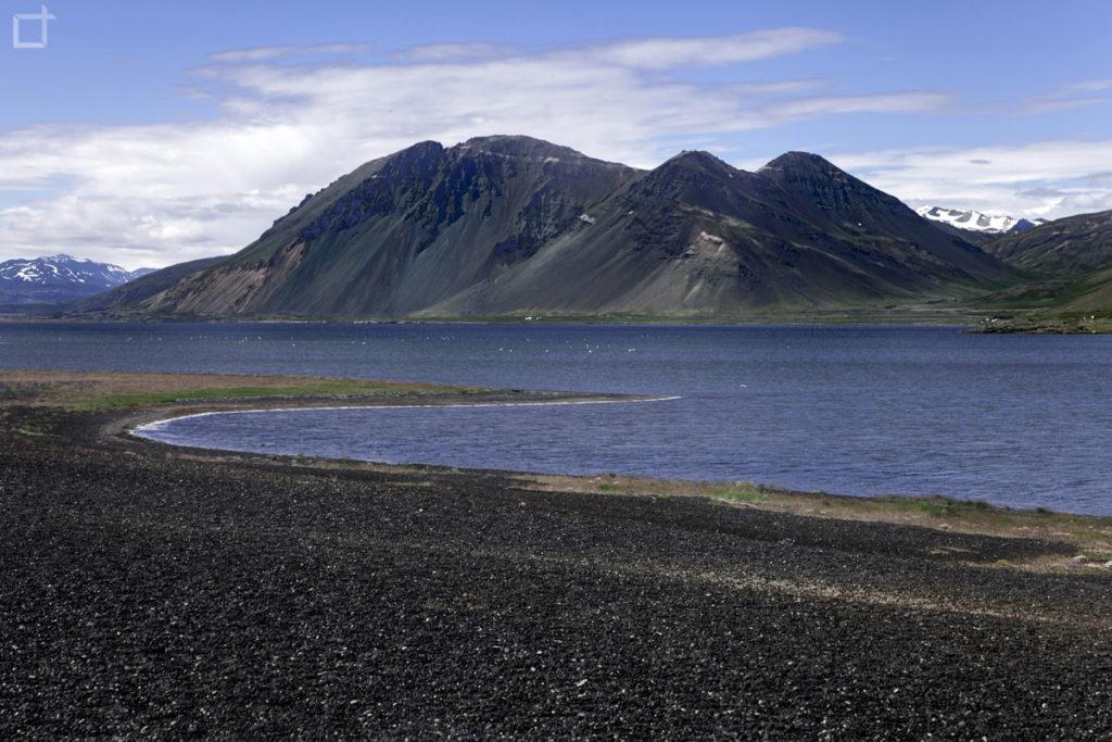 Spiaggia Nera Hvalnes e Monti Islanda