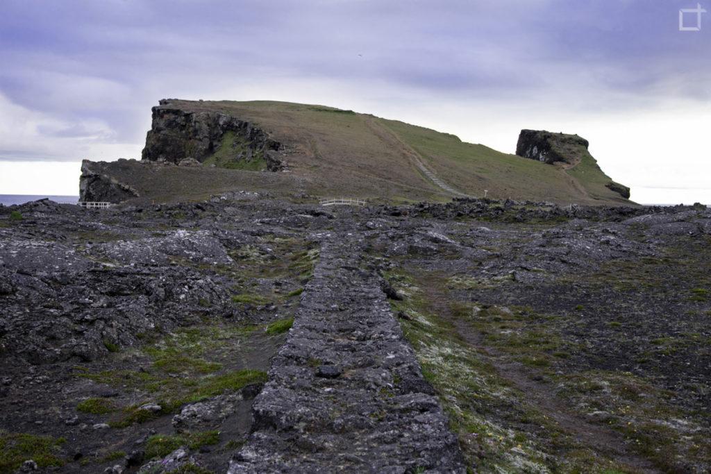 Valahnukur Montagna di Lava Islanda