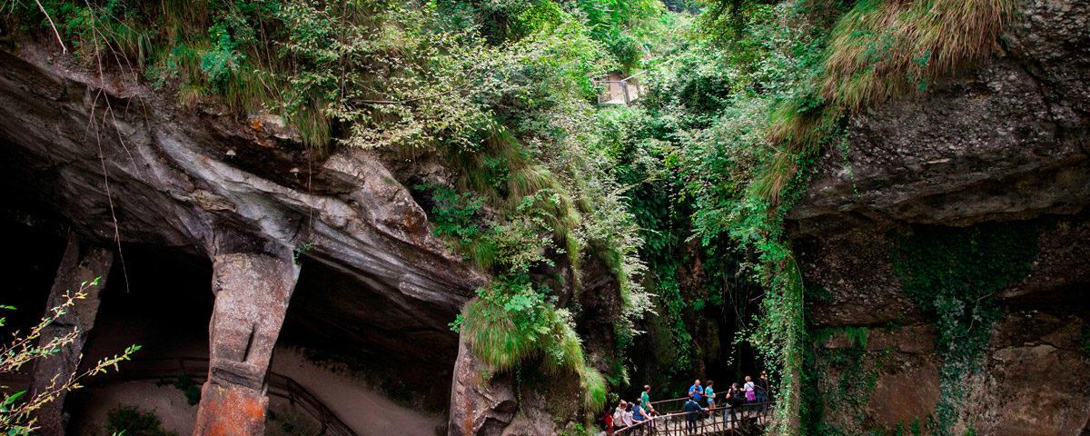 Grotte del Caglieron estrazione pietra dolce