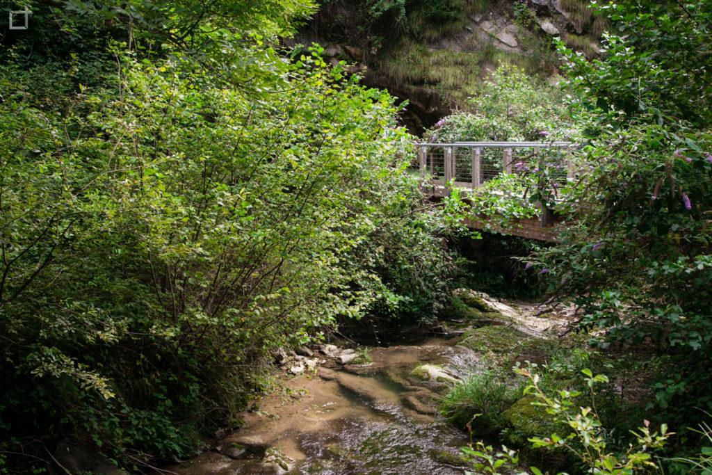 Passerella sospesa Grotta del Caglieron