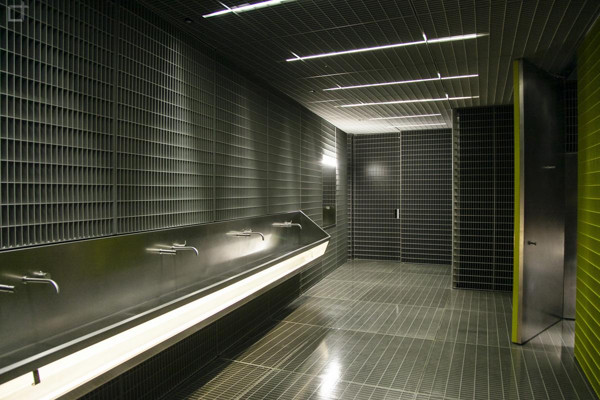 Fondazione prada milano la nuova sede e le mostre permanenti for Esposizioni bagni