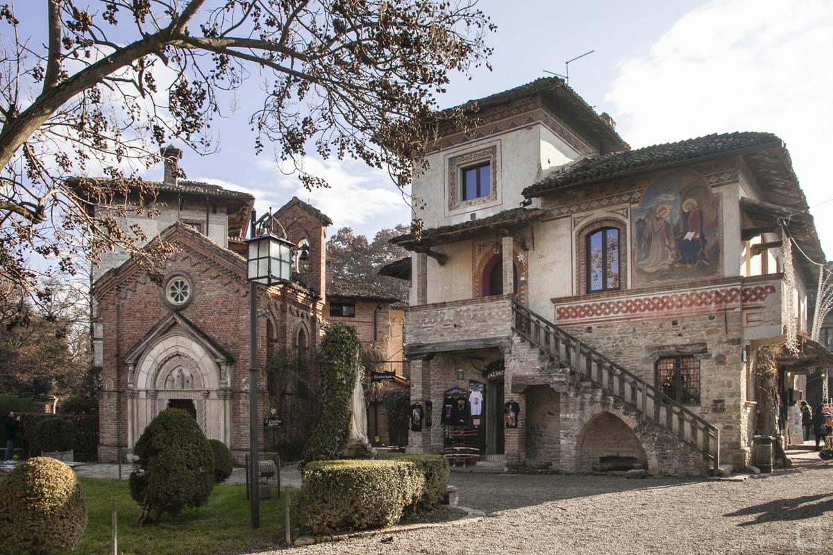 Grazzano visconti un giorno nel borgo neomedievale for Casa di architettura gotica