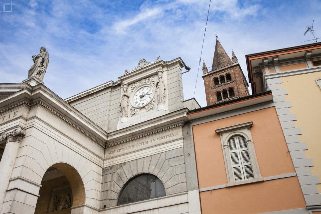 Chiesa di Sant Agata colonne e Campanile