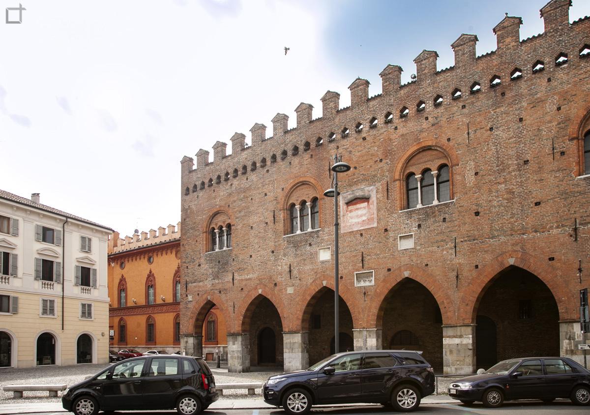 Cremona Palazzo Cittanova Archi