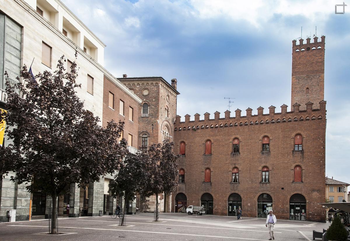 Cremona Palazzo Comunale Broletto Lombardo