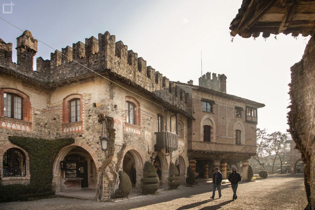 Grazzano Visconti casa con merletti