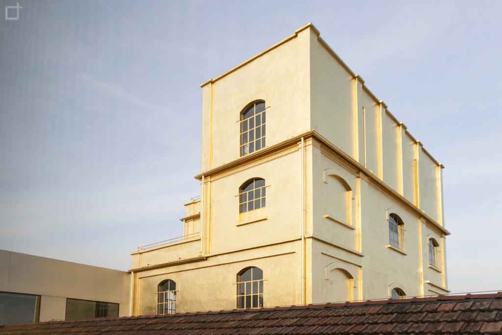 Haunted House Palazzo in Foglio d oro Milano